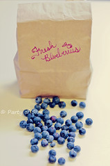 Fresh Blueberries (Party of 5ive) Tags: summer fruit fresh blueberry organic bluberries