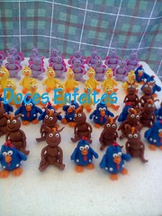 Galinha Pintadinha (biscuit para cupcakes) (Doces Enfeites -  Bolos e Biscuit) Tags: biscuit lembrancinhas