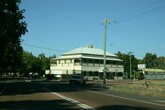 the park motel, charters towers (harry de haan) Tags: road mt australia outback pubs isa onderweg harrydehaan aussiepubs tsvisa roadtomtisa