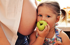 (Masha Iolis) Tags: morning family light baby love cooking apple girl kids children mom parents hug sister daughter mother happiness pregnant mum babygirl newborn round pregnacy stomack 9monts