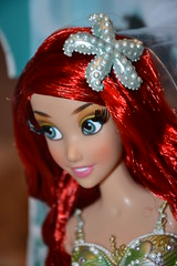 Ariel Limited Edition Doll 5573 / 6000 (Girly Toys) Tags: ariel limited edition doll 5573 6000 la petite sirène the little mermaid disney eric le prince polochon flounder sebastien eurêka max triton roi king ursula vanessa limitée poupées poupée collection missliliedolly miss lilie dolly aurelmistinguette girly toys collectible girlytoys