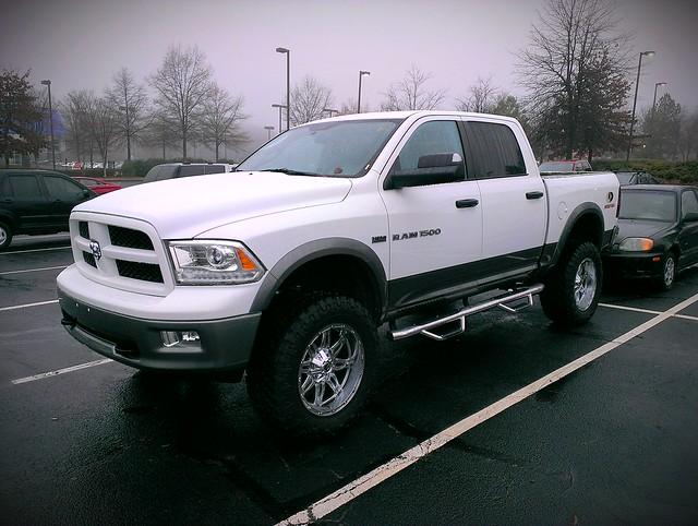 4x4 badass pickup pickuptruck dodge hemi ram 1500 v8 dodgeram ram1500 mossyoak 57l ramtough flickrandroidapp:filter=none