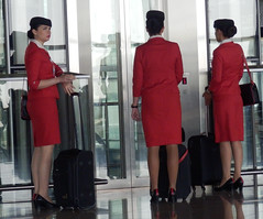 """I wanna go home!"" (heraldeixample) Tags: flight jordan stewardess hostesses flightattendant airhostess azafata aviaci royaljordan"
