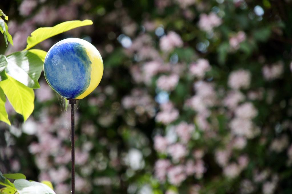 Garden (pictografie) Tags: Pink Flowers Blue Green Nature Yellow Ball  Garden Blumen Gelb