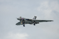 Vulcan Wheels Down (phat5toe) Tags: nikon aircraft jet airshow vulcan bomber blackpool d7000 sigma150500