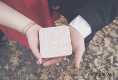 love (designsHOBBYPHOTOGRAPHY) Tags: love valentine valentinesday young couple portrait people red hands