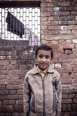 முகம் (Kals Pics) Tags: cwc chennaiweekendclickers roi rootsofindia face portrait kid happiness smile happy life travel people window agra uttarpradesh india kalspics