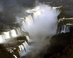 IN VOLO SULLE CASCATE IGUAZU. (ADRIANO ART FOR PASSION) Tags: cascate falls iguazu brasile argentina elicottero ricordi 1990 sorvolo vacanze acqua water fiume river rio cataratas