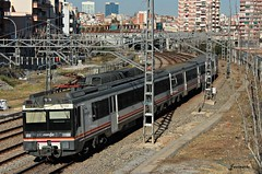 470.171 Renfe - REX (Madrid - Barcelona) (Ja. Martín) Tags: renfe barcelona regionalexpres 470 470171 tren train rail railway trainspotting trainspotter santaeulalia ut470