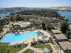 DSCN7330c Looking south over the Nile from the Movenpick tower on Elephantine, Aswan, Egypt. 6th March 2017 (Paul Ealing 2011) Tags: aswan egypt march 2017 movenpick tower hotel nile 6 swimming pool nubian village