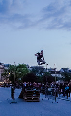 Rollerblade jumping (Benoit photography) Tags: pictures street city urban paris beautiful night photoshop big european photographer photographie photos tag images photograph fotos streetphoto rollerblade bild lightroom photograpy juming 2013 jumpeurope