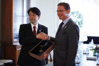 Meeting between PM Katainen and Japanese Minister of Defence Itsunori Onodera on 1th of August 2013.