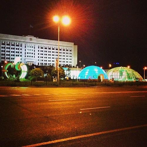 А что, всего 11 вечера) #Almaty #night