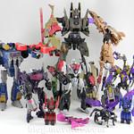 Transformers Kickback Deluxe - Generations Fall of Cybertron - modo robot vs Decepticons FoC thumbnail