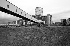 Halifax Grain Elevator, Halifax, Canada (bm^) Tags: ca city travel urban bw white canada black architecture zeiss nikon novascotia lift zwartwit elevator grain reis stedelijk carl and halifax zwart wit stad architectuur reizen graan d700  distagon282zf distagont228