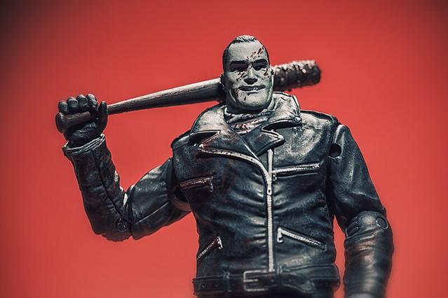 【爆雷慎入】McFarlane Toys – 陰屍路【漫畫版】比總督還要壞的男人– 尼康 Negan