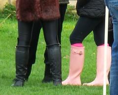 Pink Hunter wellies (Hunter Wellies!!) Tags: public boots hunter wellies gummistiefel wellingtons regenlaarzen