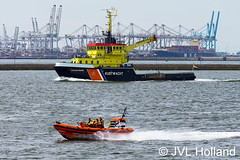 Rotterdam Kustwacht   KNRM  140523_137-c4 JVL.Holland (JVL.Holland John & Vera) Tags: netherlands canon rotterdam europe nederland lifeboat shipping hoekvanholland scheepvaart knrm waterweg kustwacht jvlholland