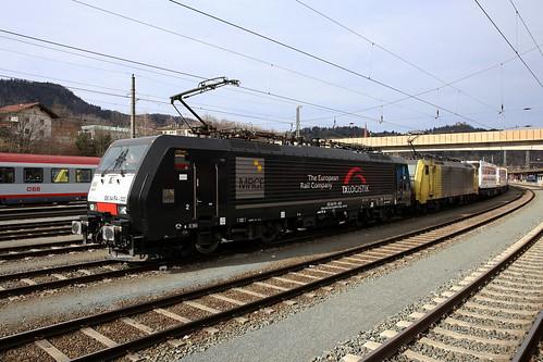 TXL ES 64 F4-023 und ES 64 F4-031 Lauritzen-Zug, Kufstein