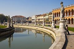 Padua-Prato della Valle (Explore 5/30) (doveoggi) Tags: italy explore prato pratodellavalle padua 3652