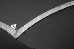(Rei Santos) Tags: blackandwhite bw pb pretoebranco modernarchitecture londrina arquiteturamoderna vilanovaartigas relojo antigarodoviriadelondrina museudeartedelondrina reisantos