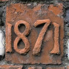 1871 (Leo Reynolds) Tags: brick 1871 moulding number leol30random olympus c770uz 0025sec f28 iso64 63mm 0ev xsquarex year xleol30x groupyears hpexif xratio1x1x xxx2005xxx 1000s xxxthousandsxxx