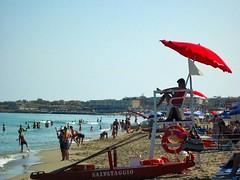 IMG_1385 - un lavoro di alto livello ! - Explore # 219 del 19/07/2013 (molovate) Tags: bronze mare estate sole palermo spiaggia vacanza bagnino bagni ombrellone pattino salvataggio isoladellefemmine volate tafme salvatggio