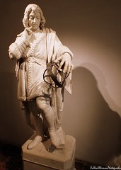 Nicholas Copernicus/Mikolaj Kopernik (Rick Ellerman) Tags: shadow statue europe european euro picasa poland polska nicholas copernicus polski kopernik mikolaj mikolajkopernik nicholascopernicus