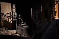 Le probabilità della luce (luce_eee) Tags: light shadow man modena