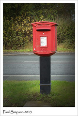 Unusual Shape Post Box (Paul Simpson Photography) Tags: uk red england english mailbox post mail letters postbox british letterbox royalmail postalservice pillarbox brigg inuse photosof imageof photoof northlincs imagesof pb1057 sonya77 paulsimpsonphotography vision:text=0639 vision:outdoor=0953 postaletter wheretopostletter unusualpostbox unusualpillarboxes