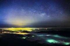 貴客悄然來敲門 - Galaxy (湯小米) Tags: canon star taiwan galaxy 夜景 星空 五分山 星軌 startails 銀河 1dx mtwufen 24mmf14lii newtaipeicity 琉璃光 五分山氣象雷達站