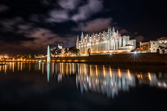 Mallorca - La Seu (zenofar) Tags: palma nikon d810 tamron de mallorca spiegelung kirche wolken blendensterne wasser licht kathedrale stadt nacht explore reflection church clouds sunstars water light cathedral city night himmel sky