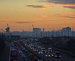 J26 (Bricheno) Tags: glasgow motorway m8 cars vans lorries cranes highflats hillington shieldhall diageo bricheno scotland escocia schottland écosse scozia escòcia szkocja scoția 蘇格蘭 स्कॉटलैंड σκωτία sunrise rushhour