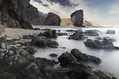 PUNTA DE LOS MUERTOS (serafuentes) Tags: paisaje carboneras almeria naturaleza playas landscape andalucía muertos rocas misteriosa