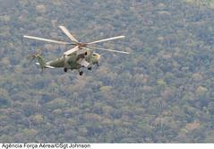Procedimento de interceptação (Força Aérea Brasileira - Página Oficial) Tags: brasil selva floresta helicoptero portovelho aeronave rondônia forcaaereabrasileira interceptador milmi35 fotojohnsonbarros ah2sabre interceptacao