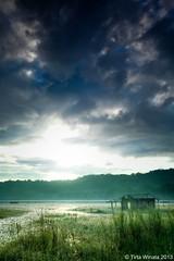 Abandoned House (Tirta Winata) Tags: bali lake sunrise temple dawn boat pura danau bedugul munduk gobleg tamblingan