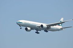 Cathay Pacific Boeing 777-300 B-KPM (ta152eagle) Tags: cathaypacific b777300 bkpm