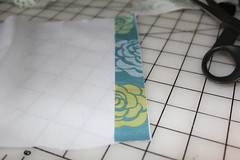 Selvage tutorial pic 4 (B's Modern Quilting) Tags: quilt machine fabric zipper tutorial wristlet selvage