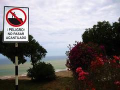 Acantilado (Stephany Arce) Tags: playa prohibido stephany malecn arce fotografa