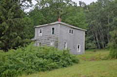Delaware County House (rchrdcnnnghm) Tags: house abandoned delawarecountyny oncewashome