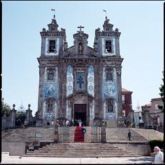 tapis rouge (v.ir.g.il.e) Tags: 120 6x6 film portugal architecture analog mediumformat square kodak hasselblad porto churche argentique portra160 503cw zeissplanar80cfe