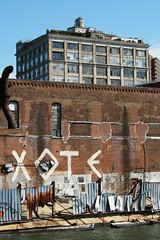 xote (simple pleasure) Tags: brick vent williamsburg walls lofts shitfence 475kentave