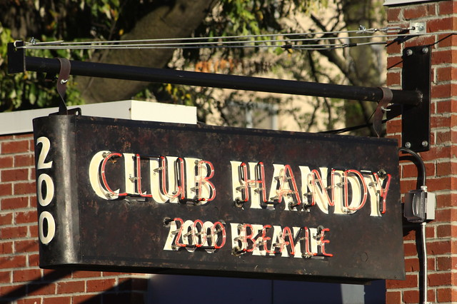 Club Handy neon sign