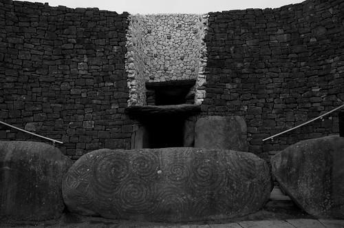 Newgrange entrsnce ©  Still ePsiLoN