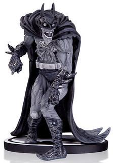 """顫慄!驚悚! 蝙蝠俠黑白雕像系列推出""""殭屍蝙蝠俠"""""""