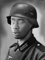 tyler_soldier_ani_gif (Schabrazze aka Peekasso) Tags: white black art soldier lol tyler gif creator milf peekasso
