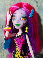 RainGlow 01 (Scari Cari) Tags: ooak cam custom harpy repaint monsterhigh