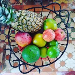 Gostou da fruteira? Tem lá na loja, e está em #promoção aproveita e olha aqui: www.elo7.com.br/osoarte #euamoartesanatomineiro #frutas #fruteira #cozinha #cozinhamineira #decoração #decoraçãomineira #casa (fabriciabarcelos) Tags: fruteira decoração cozinhamineira cozinha casa decoraçãomineira frutas promoção euamoartesanatomineiro