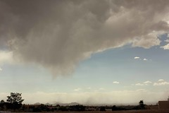 dust bowl-no rain fall (Sacker Foto) Tags: sky mountains newmexico dusty clouds landscape haze plateau smoke windy stormy bowl hills smokey dust plains northern jemez cerillos southward adaptall2 manualfocuslens cajadelrio m42adapterring tamron28mmf25bbarmc