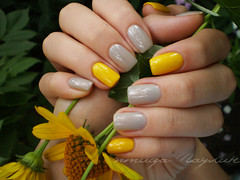 OPI My Pointe Exactly + Dance Legend 303 (Paulin's) Tags: yellow grey dance nails pointe legend exactly 303 opi my